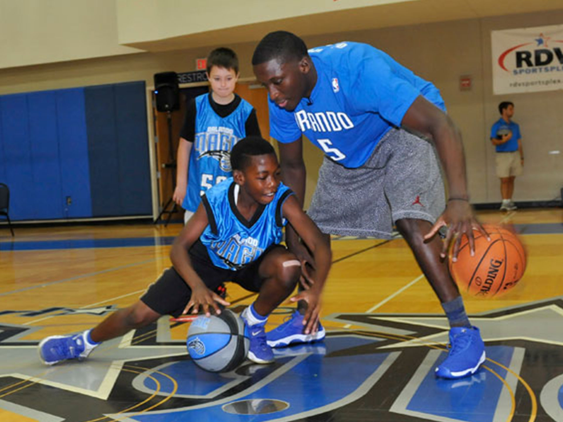 Basket on the road ball academy miami camp scuola